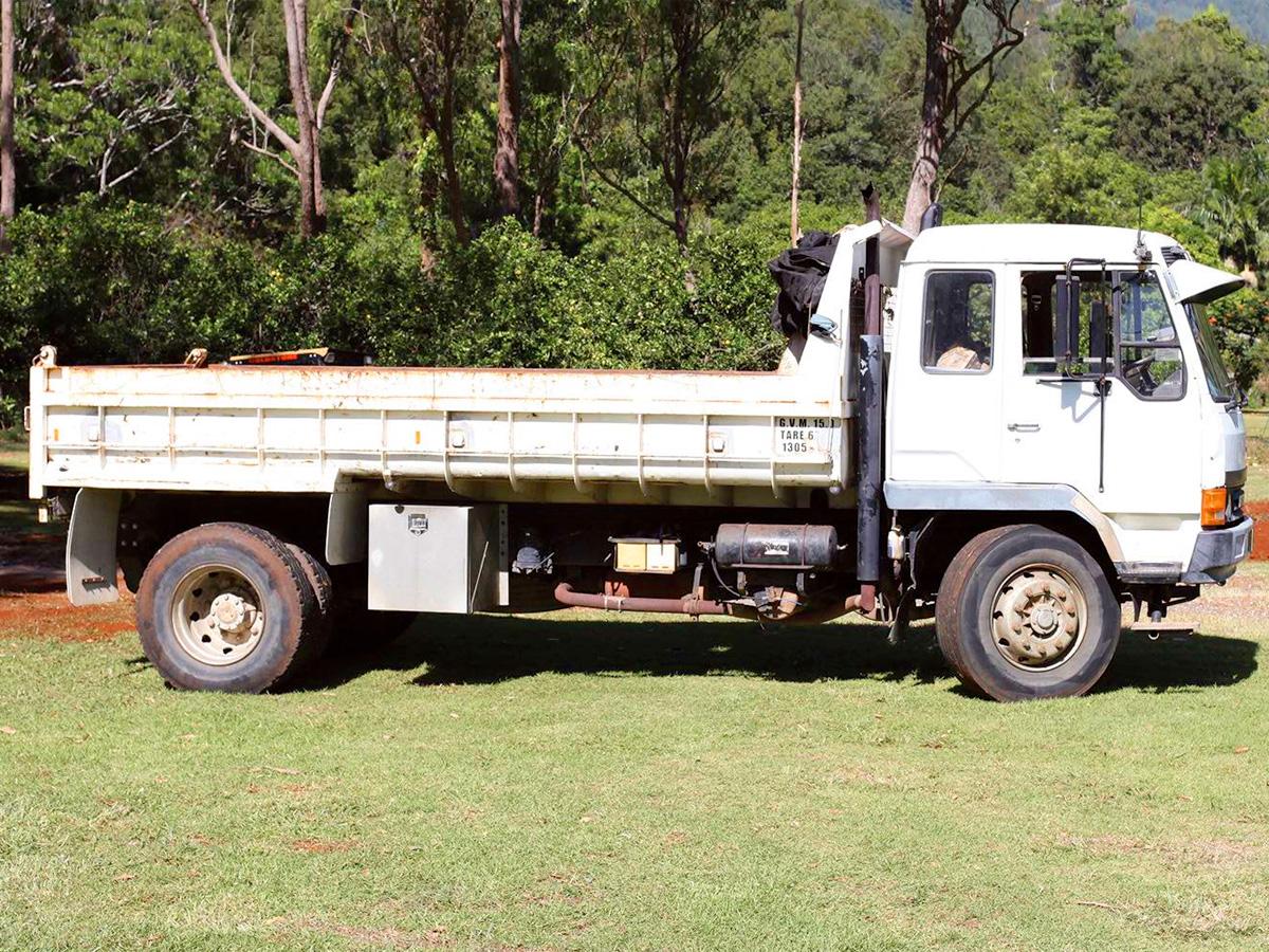 8-Tonne-Mitsubishi-Tip-Truck-Goldstone-Earthmoving-Northern-NSW-Australia